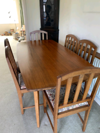 Dining Room Table & 6 Matching Chairs