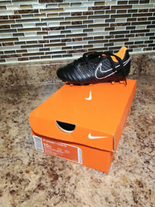 soccer cleats - boys size 10