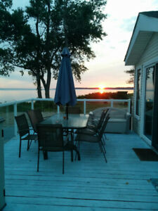 Lakefront Cottage in Sherkston Shores for rent