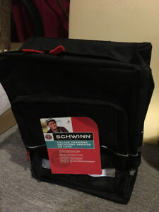 Schwinn Deluxe Bicycle Bag