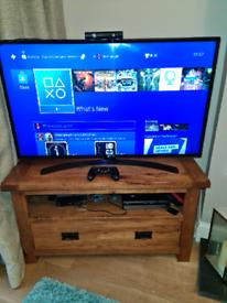 PS4 Slim. Plus PS VR. 4 games. 1 controller