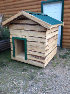 Large Insulated dog house with Tin or Cedar roof