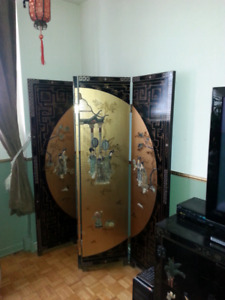 Selling Oriental Divider (with gold leaf)
