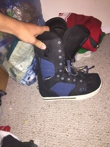 Thirty two size 7 snowboard boots Strathcona County Edmonton Area image 2