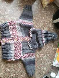 Baby boys hand knitted hat and cardigan set. 0-6 months new