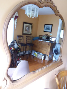 Mirror .. Widest area 48 inches x tallest area 36 inches $25.00