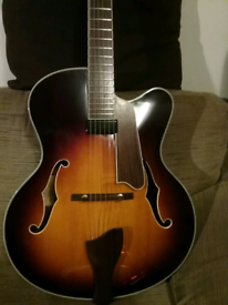 Eastman ar610ces jazz guitar mint condition with case