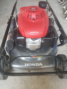Honda HRS216 Lawn Mower (Never Used!)