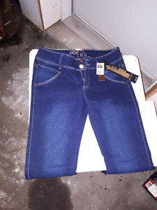 JEANS taille bas neuf  $ 20.00/(  15 // 16)
