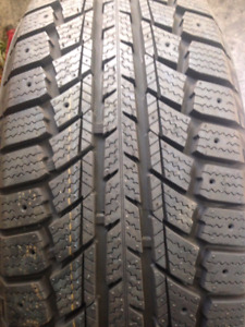 New winter tires/Pneus d'hiver Artic neufs (Good deal )