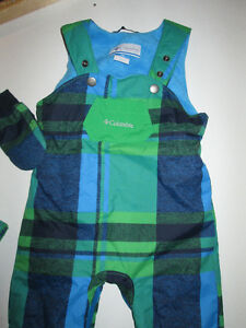 Columbia size 18 months Snowsuit, Hat and Mittens Belleville Belleville Area image 2