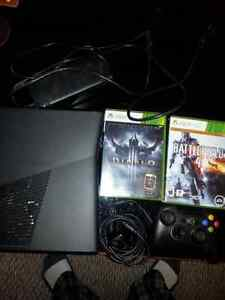 Xbox 360 Console, Controller Plus 2 games.  Kitchener / Waterloo Kitchener Area image 1