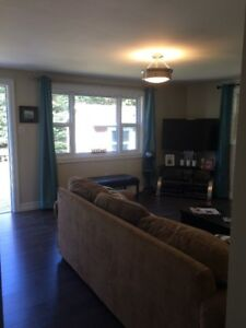3 bedroom spaciaous bungalow with Garage