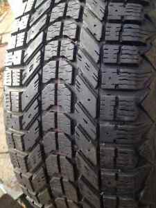 Set of 2 Firestone winter tires 215/55/16 West Island Greater Montréal image 1