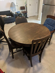 Dining Table+Chairs