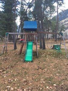 Playhouse/swing set