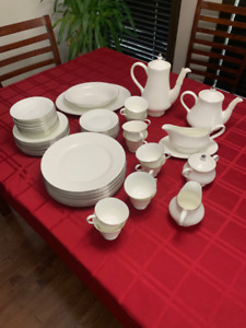 WedgWood Bone China 'Silver Ermine' COLLECTION