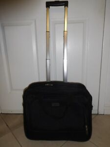 Beautiful Laptop carry on luggage bag-London Fog