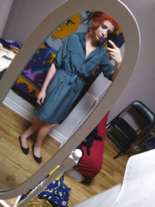 Womens profressional dress, great for job interviews SIZE XS