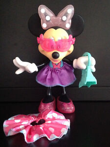 Minnie Mouse Glitz and Glam Doll / Figure, Like New
