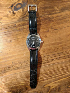 DKNY WATCH WITH BLACK LEATHER BAND