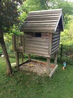 Free wooden play house