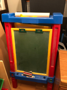 Kids Art Easel with Chaulkboard