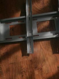 Wall mount bracket tv