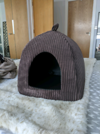 Brown Dog/Cat Bed
