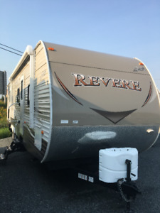 LEFT OVER BLOW OUT- 2017 Shasta Revere 32 DS