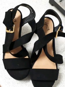 Beautiful suede strappy sandles