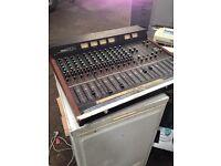 Yamaha MC-1204 Mixing Console Desk Mixer