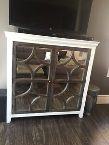 Mirrored antiqued hutch/cabinet