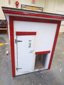 large Dog house fully insulated