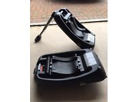 2 isofix bases and car seat