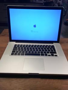 Macbook Pro 15 pouces, 2.4 ghz, i5