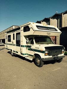Ford Sterling Series E350 Class C Motorhome