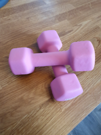 Two 2 kgs weights
