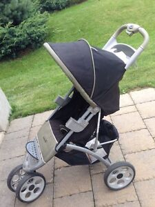 Safety 1st folding baby Stroller London Ontario image 1
