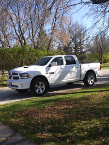 Almost new dodge ram sport loaded