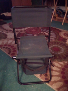 FOLDING FISHING CAMPING- BEACH CHAIR. STORAGE UNDERNEATH-10.00