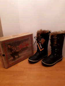 Skechers  NEW waterproof winter boots THINSULATE insulation