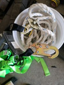 Safety harness for heights with 50 foot rope