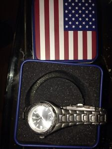 Fossil watch + original box stainless steel/ water resistant Cornwall Ontario image 2