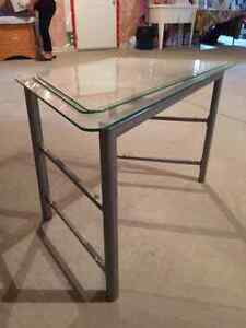Glass Shelf TV Stand Windsor Region Ontario image 1
