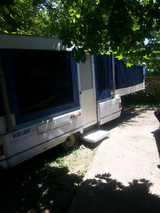 AWNING RECOVERING & TENT TRAILER RECOVERING