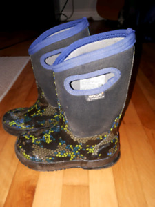 Bogs, Boys boots size 1