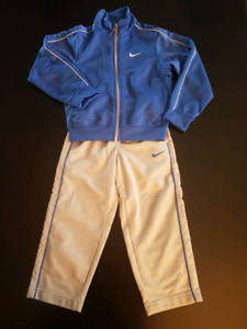 Boys 3 yr old nike track suit