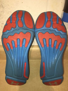 Women's Under Armour Speed Foam Light Running Shoes Size 8.5 London Ontario image 7