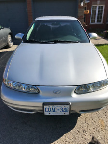 2001 Oldsmobile 4 Dr Alero. 103K KM. 6 Cyl. Excellent Condition